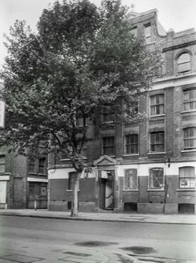 Tooley Street Bermondsey, Working Mens Hostel 1986.   X.png