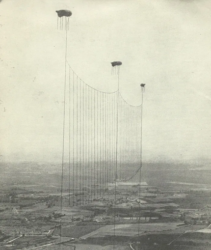 WW1, the balloon apron across the eastern approaches to London, introduced to help against the night raids.   X.png
