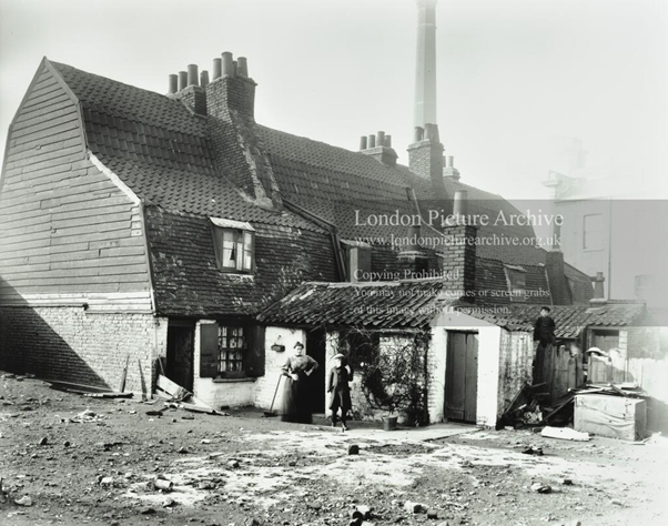 Rotherhithe Street, Purnell Place, c1911, next to Surrey House.   X.png